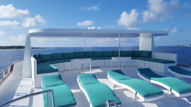 maldives-carpenovo-boat-sundeck