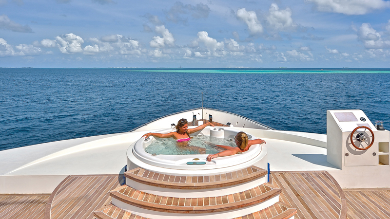 honeymoon-liveaboard