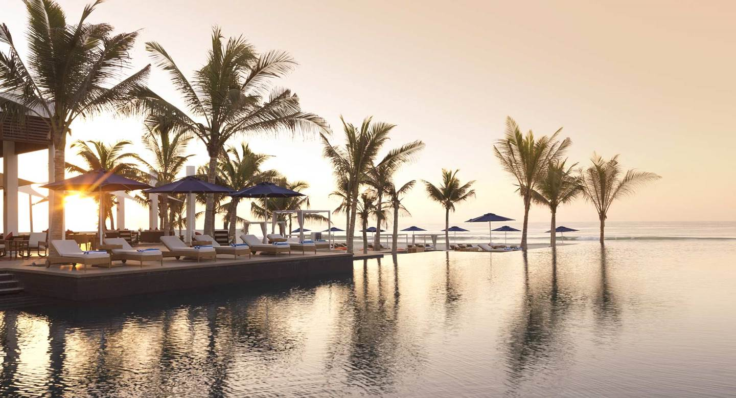 Al_Baleed_by_Anantara_Pool_Sunset