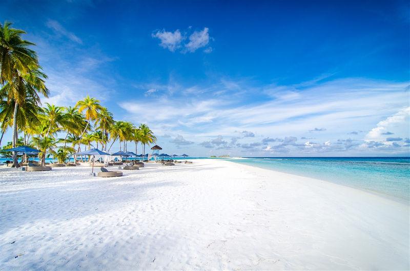 maldives-finolhu-hotel-beach