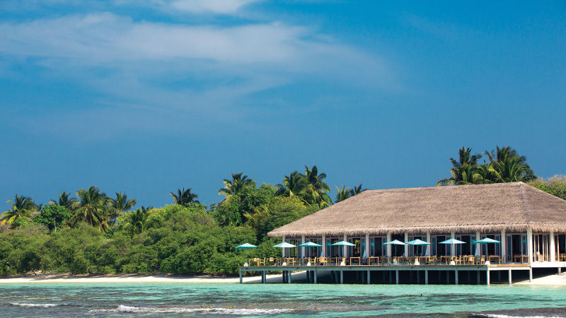 maldives-oblu-beach-restaurant
