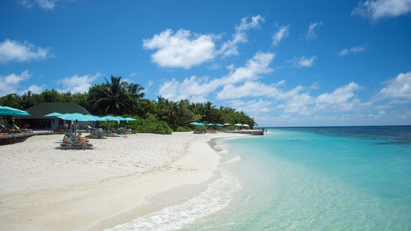 maldives-oblu-resort-beach