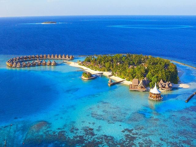 Hotels in maldives  : Baros
