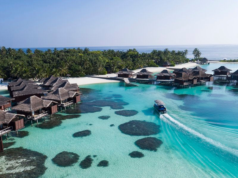 Hotels in maldives  : Anantara Dhigu, Veli and Naladhu