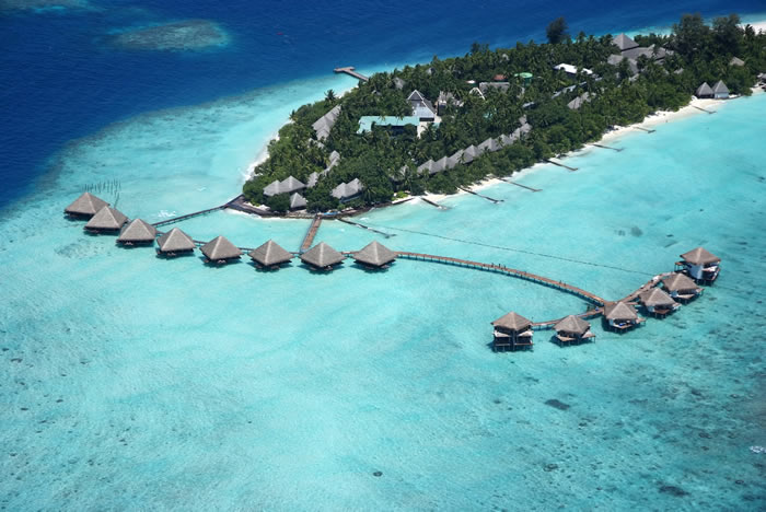 Hotels in maldives  : Medhufushi Island Resort