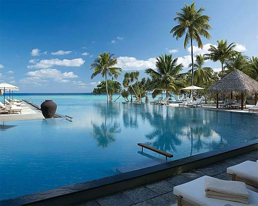 Hotels in maldives  : Four Seasons Resort Kuda Huraa