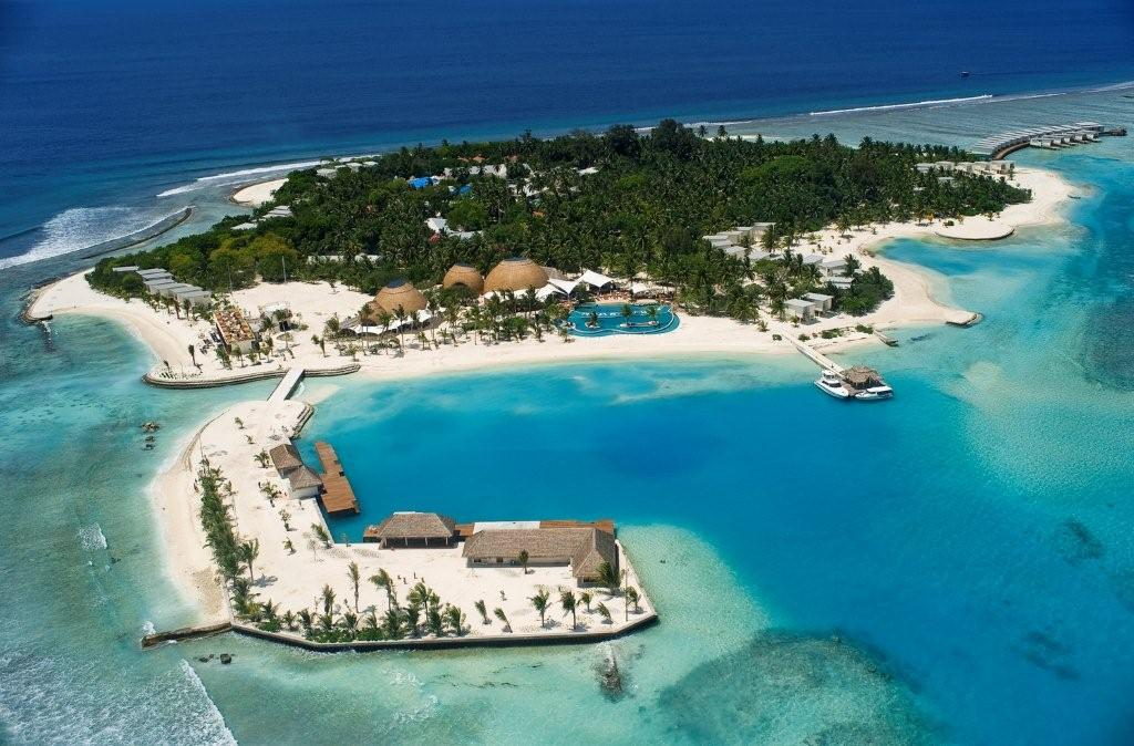 Hotels in maldives: Holiday Inn Resort Kandooma