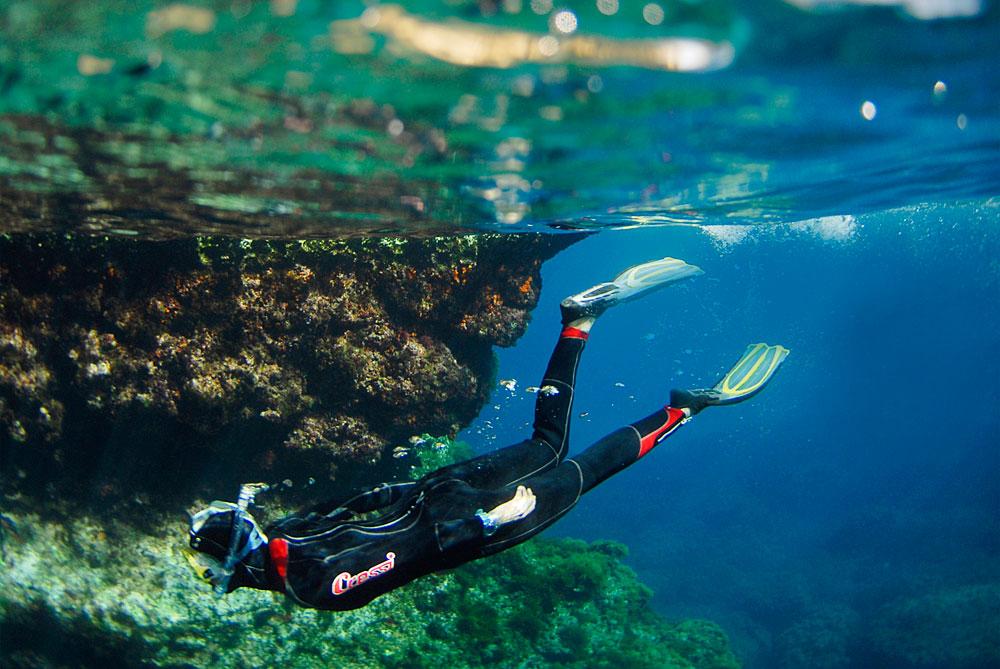 Malta scuba diving holidays for Gozo dive centres