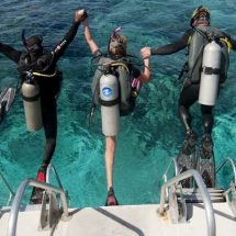 group-diving