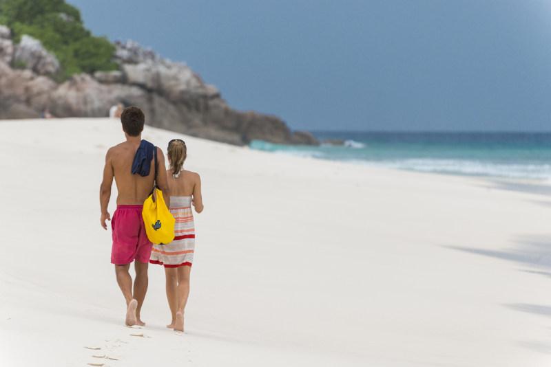 Aride-Island-couple