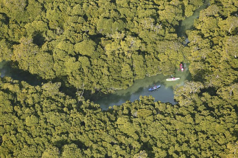 Azura-Quilalea-kayaking