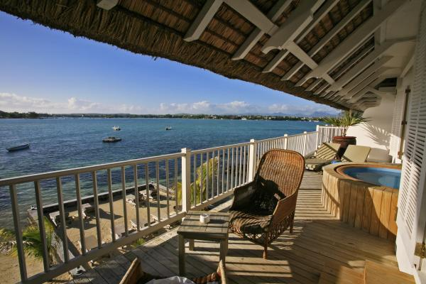 Hotels in mauritius island  : 20 Degrees South