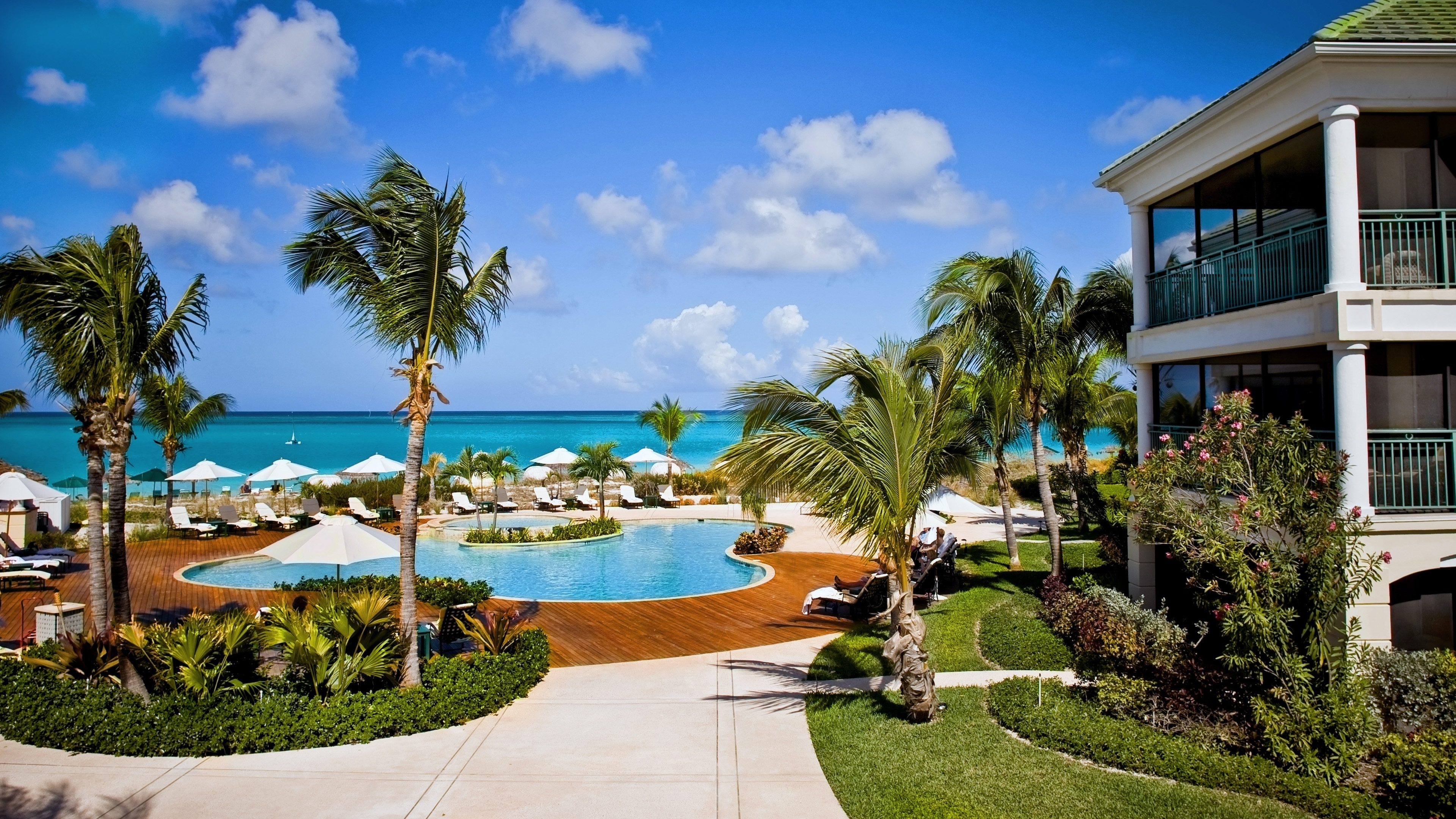 Hotels in providenciales  : Sands At Grace Bay